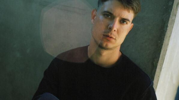 Caspar Eric, forfatter